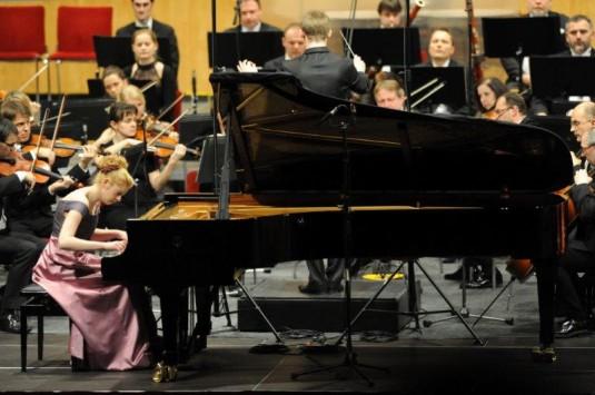 Mladá klavíristka Johanna Haniková.