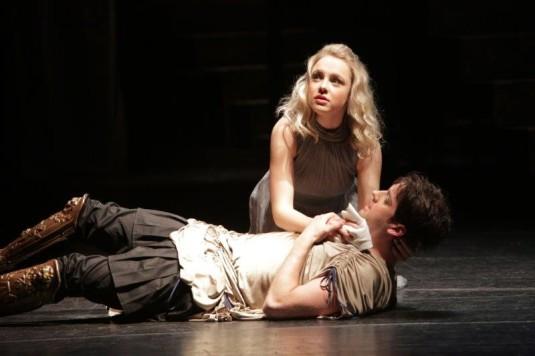 QV2: Izabela Firlová (Lýgie) a Ivan Dejmal (Vinicius) v novém ostravském muzikálu Quo Vadis.