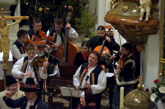 Foto 2013 Vojvoda1_Kostel_Sedlnice_Vánoce-muzika
