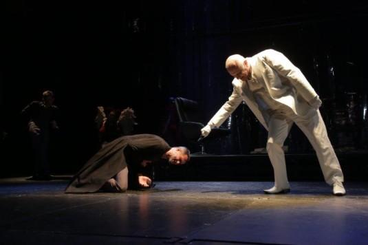 František Strnad (vpravo) jako Faust, Vladimír Čapka jako Lucifer
