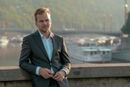 Martin Chodúr na jedné z fotografií z bookletu nového alba.