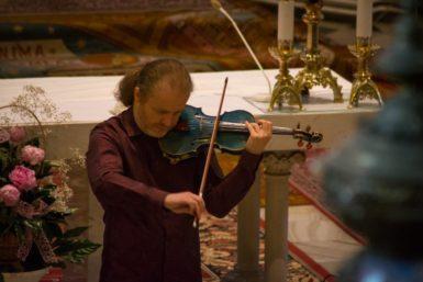 Fenomén, nebo pouťový muzikant? Houslista Pavel Šporcl zanechal na Janáčkově máji rozpačité dojmy