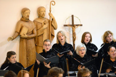 Maraton duchovní hudby na zastávce v pustkoveckém kostele: Vynikající Bruch i nepřesvědčivý Beethoven