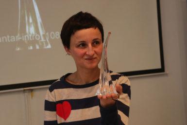 Motiv pěticípé hvězdy byl pro mne určující, říká Šárka Mikesková, autorka sošek pro vítěze Ceny Jantar