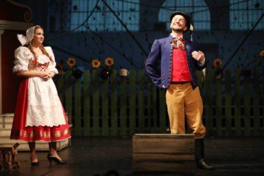 Spokorou přijímám vše, co život nabízí, říká tenorista Rudolf Medňanský před premiérou opavské Prodané nevěsty