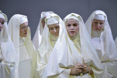 Druhé premiéře Pucciniho Triptychu kralovala vynikající Veronika Holbová v roli Angeliky