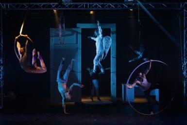 Cirkus trochu jinak představil Konkurz, strhující pantomimu plnou překvapující akce, vtipu a divadelní magie