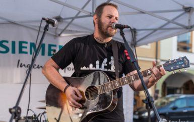 """Chci být zodpovědný a svobodný zároveň, říká hudebník Jan """"Comar"""" Ražnok, který se vydává na sólovou dráhu"""