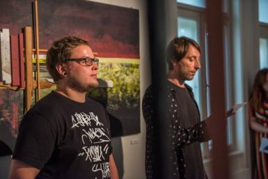 Působivou výstavou Martina Sněhoty vObecním domě v Opavě rezonuje jeho pobyt vAfrice