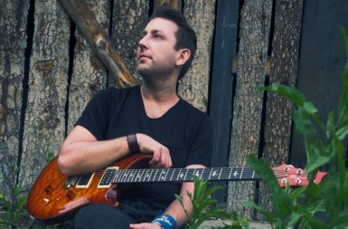Hudba je jedním z nejfantastičtějších vynálezů, co člověk vymyslel, říká kytarista a pedagog Jakub Jalůvka