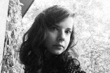 Modlitba je biologická nutnost mimo kostel, píše básnířka Kristýna Svidroňová ve Chvilce poezie